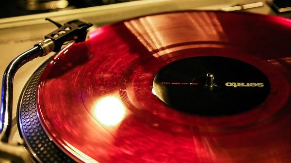 vinyl-1233111_960_720